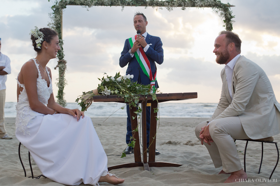 Fotografo matrimonio-spiaggia-mare-Toscana-Viareggio- scattidamore-Scatti-d-Amore-wedding-photographer46-