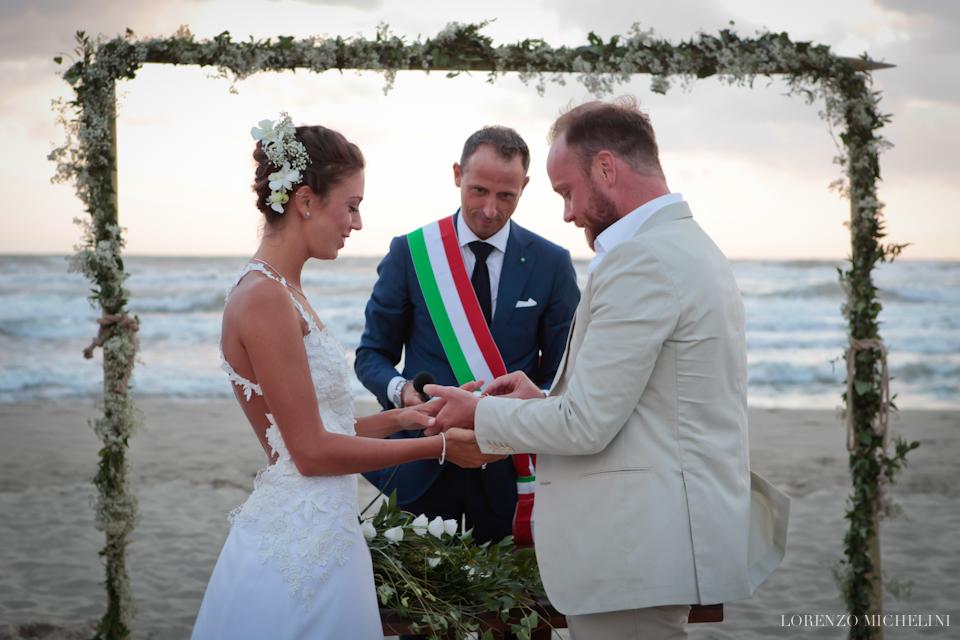Fotografo matrimonio-Toscana-Viareggio-matrimoniosulmare-mare-spiaggia-wedding-beach-scattidamore-Scatti-d-Amore-wedding-photographer6-