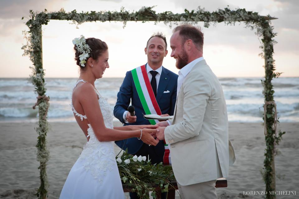Fotografo matrimonio-Toscana-Viareggio-matrimoniosulmare-mare-spiaggia-wedding-beach-scattidamore-Scatti-d-Amore-wedding-photographer7-