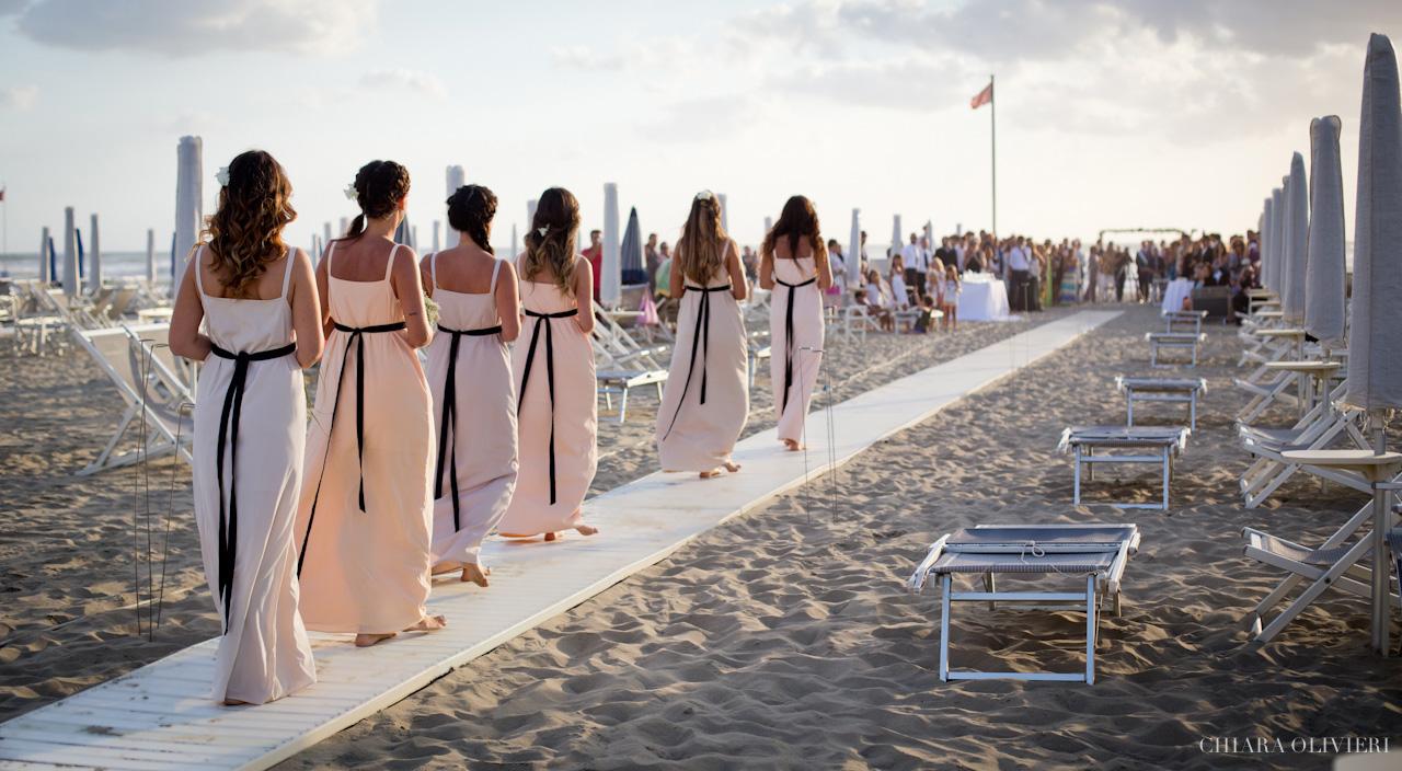 Matrimonio Spiaggia Toscana : Matrimonio sulla spiaggia viareggio