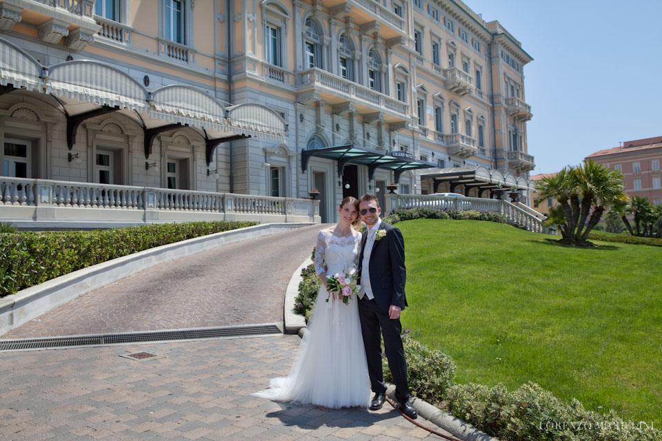 Fotografo-matrimonio-Livorno-Quercianella-Scattidamore-scatti-d-amore-wedding-photographer-Terrazza-Mascagni-Livorno-Villa-Margherita-Quercianella-sposi-mare-scogli-Livorno